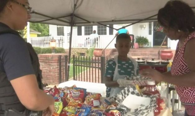 Instead of Using Birthday Money for Disney World Vacation, 6-Year-old Uses It to Feed Hurricane Evacuees